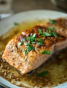 Pan Seared Salmon with Lemon White Wine Butter Sauce | @gogogogourmet