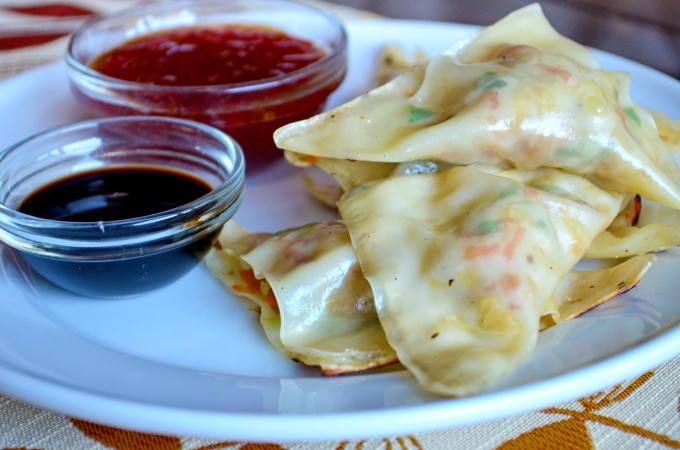 Vegetable Potstickers - a quick and easy dish that works as an #appetizer, snack or dinner!   Go Go Go Gourmet