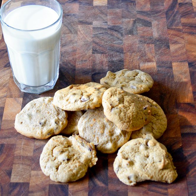 Soft Chocolate Chip Cookies | Go Go Go Gourmet @gogogogourmet