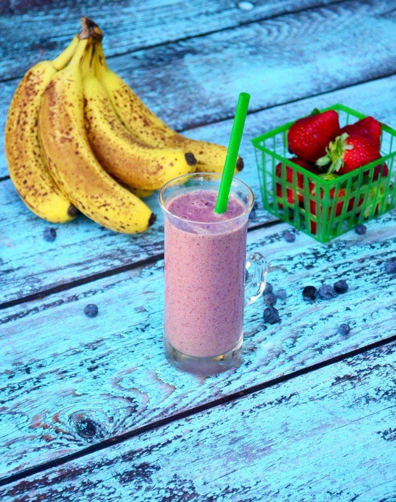 Banana Berry Smoothie | Go Go Go Gourmet