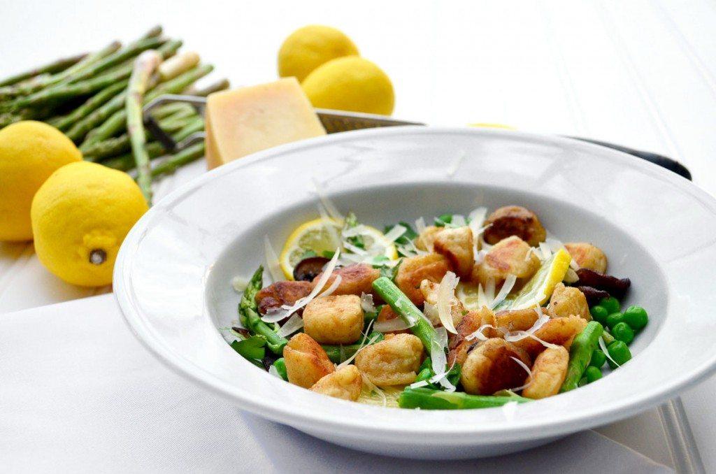 Ricotta Gnocchi with Mushrooms, Asparagus, Peas and Lemon | Go Go Go Gourmet