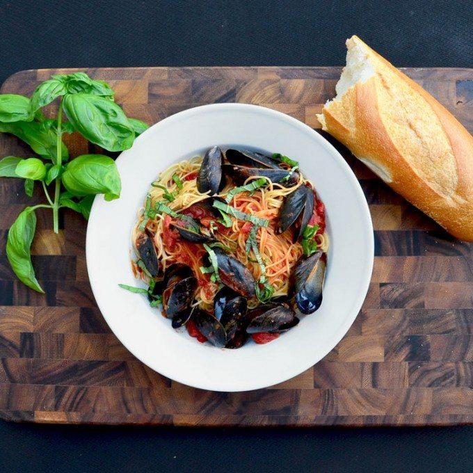 Easy Mussels Marinara | @gogogogourmet