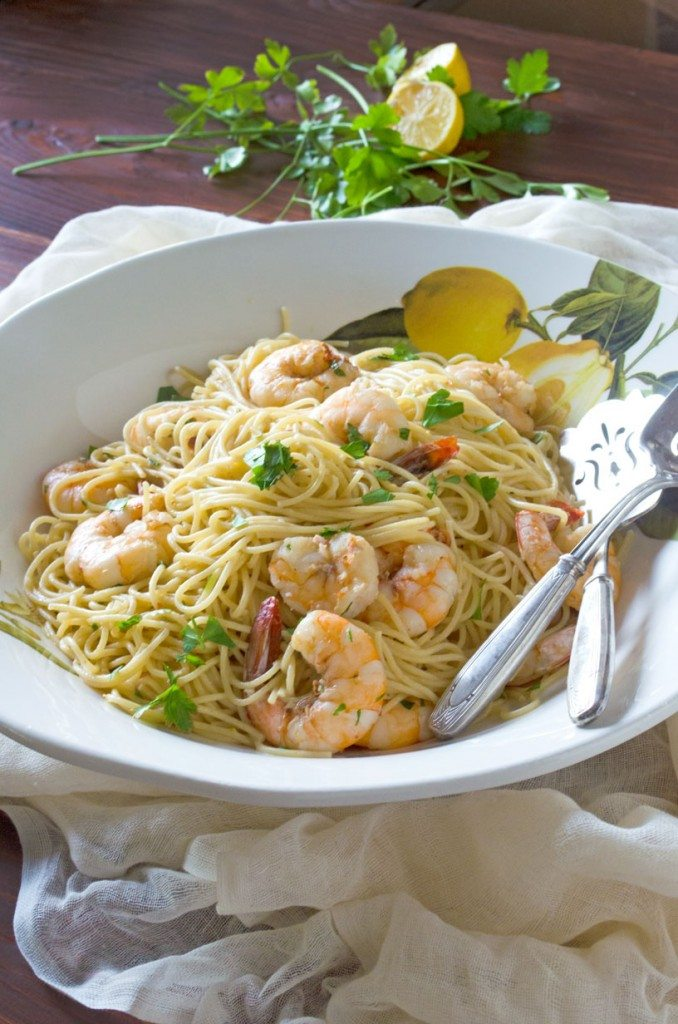 Fast and easy, this flavorful Shrimp Scampi comes together with ingredients you probably already have. | Go Go Go Gourmet @gogogogourmet