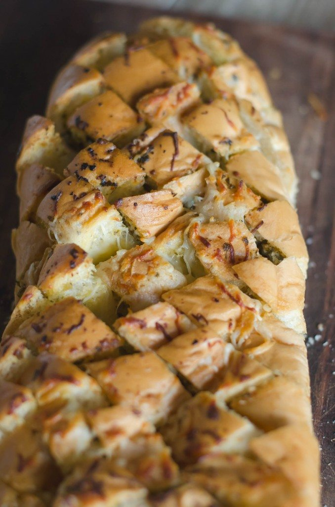 Pesto Garlic Cheese Pullapart Bread-3