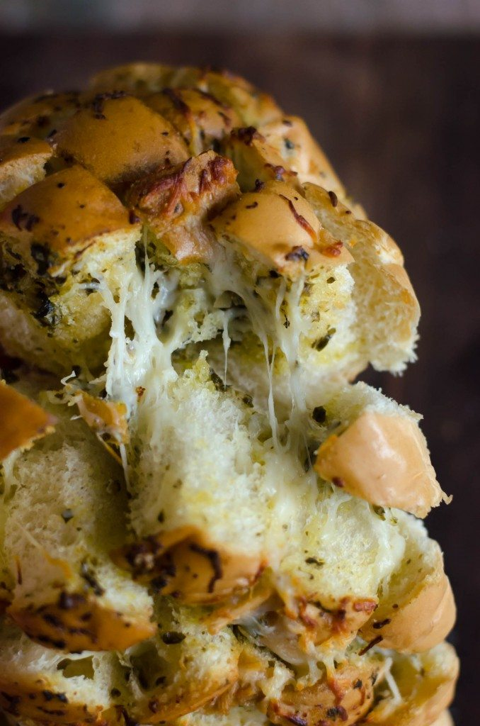Pesto Garlic Cheese Pullapart Bread-6