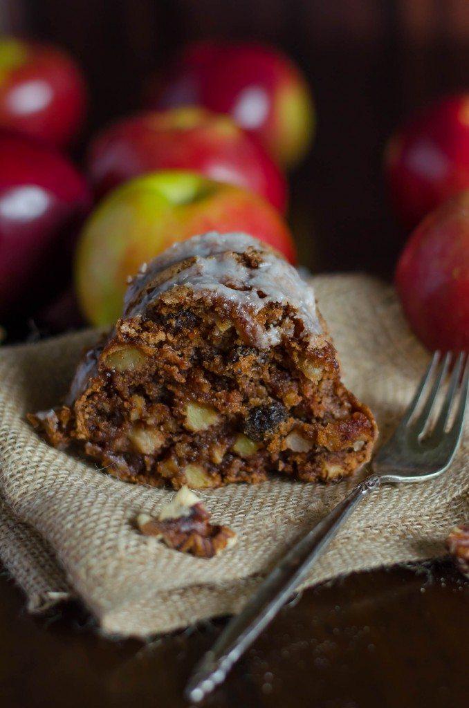 Apple Walnut Cake- the perfect cake for fall! | Go Go Go Gourmet @gogogogourmet