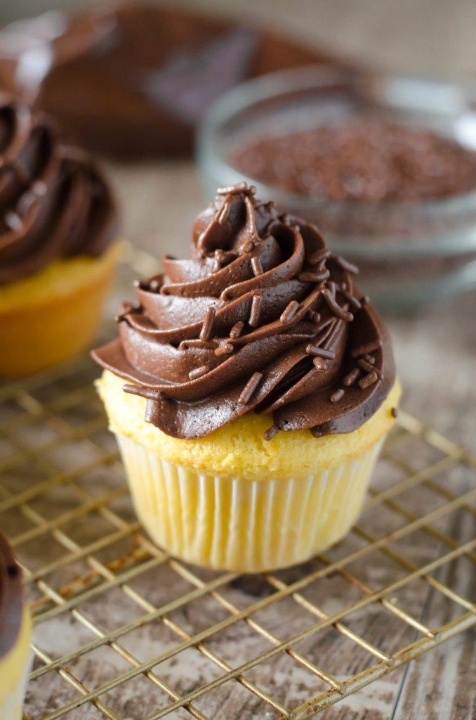 Boston Cream Cupcakes • Go Go Go Gourmet
