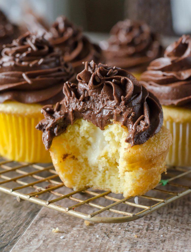 Boston Cream Cupcakes | Go Go Go Gourmet @gogogogourmet