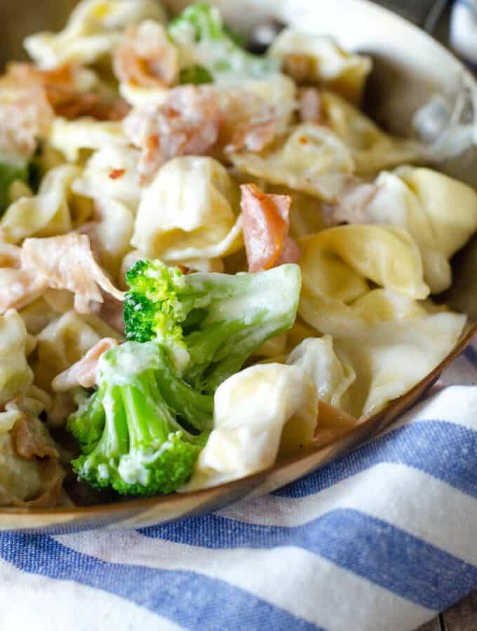 Copycat Olive Garden Alfredo Loaded Tortellini Dinner | Go Go Go Gourmet @gogogogourmet