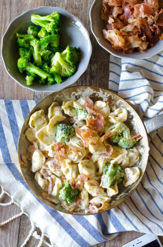 Copycat Olive Garden Alfredo/ Loaded Tortellini Alfredo Dinner | Go Go Go Gourmet @gogogogourmet