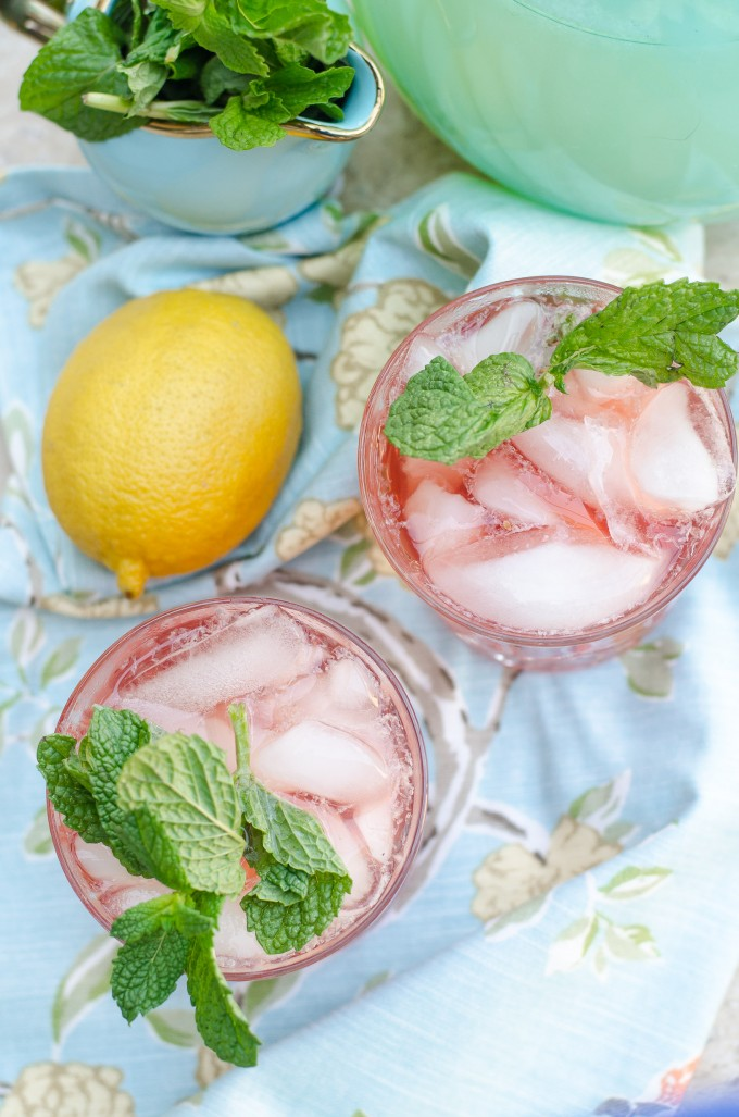 Passion Tea Spritzer (or Cocktail)- perfect for spring and summer! | Go Go Go Gourmet @gogogogourmet