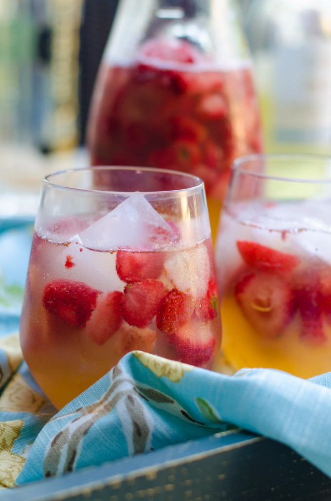 Sunset Sparkling Easy White Sangria | Go Go Go Gourmet @gogogogourmet