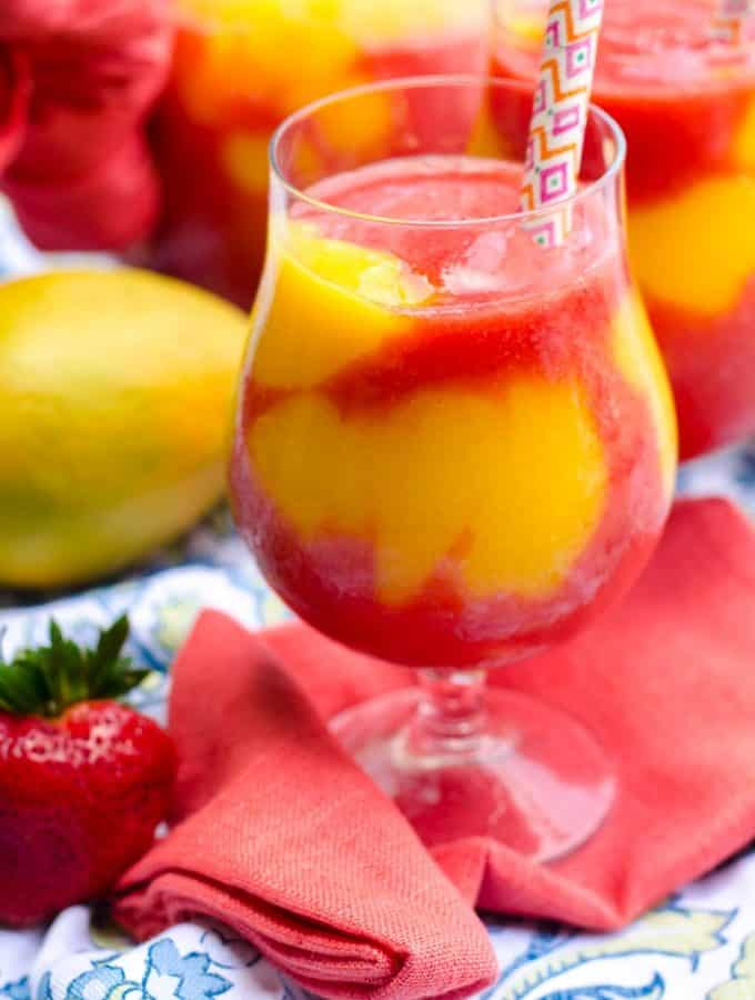Mango Strawberry Daiquiris | Go Go Go Gourmet @gogogogourmet