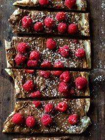 Raspberry Nutella Pizza | Go Go Go Gourmet @gogogogourmet