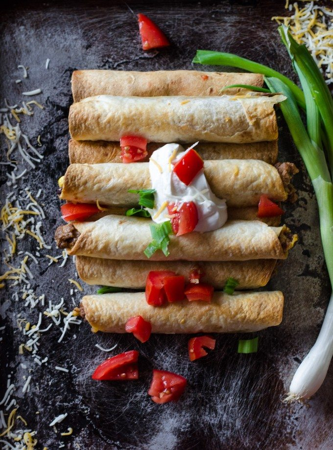 Taco Taquitos - a few minutes and a few canned goods, and you've got yourself a dinner everyone will love! | @gogogogourmet