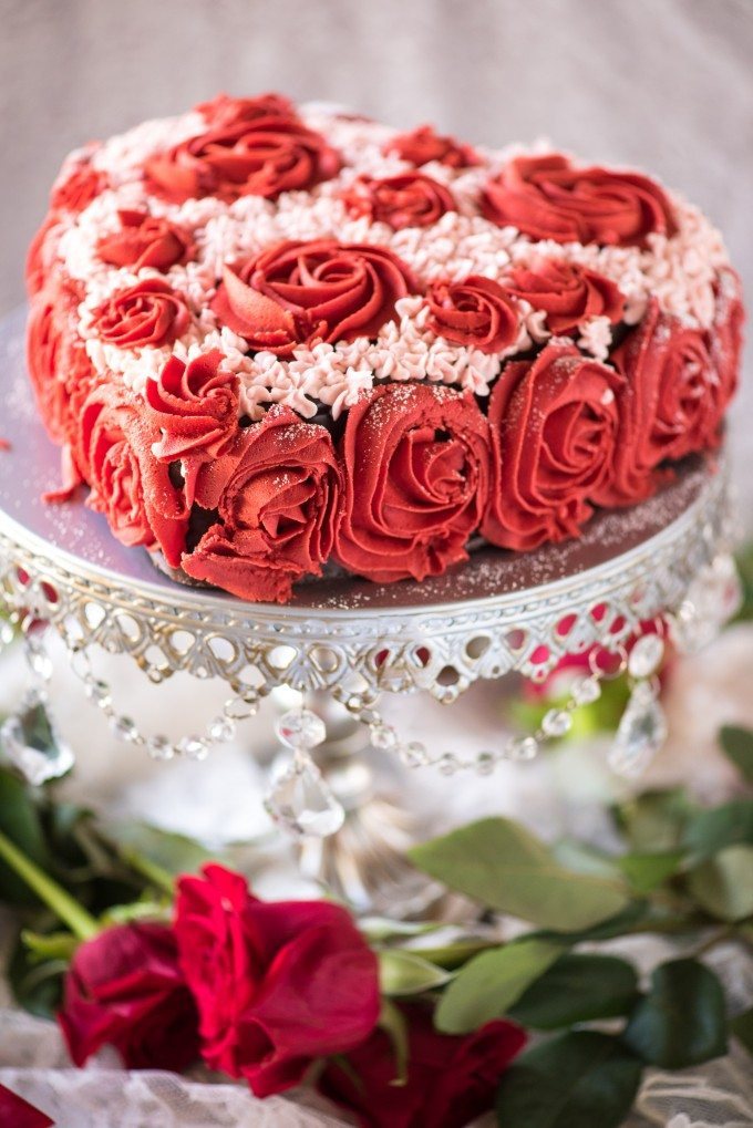 Easy Valentine S Day Cake Decorating Tutorial Go Go Go Gourmet