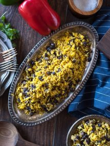 Yellow Rice & Black Beans- a quick and simple side dish! | @gogogogourmet