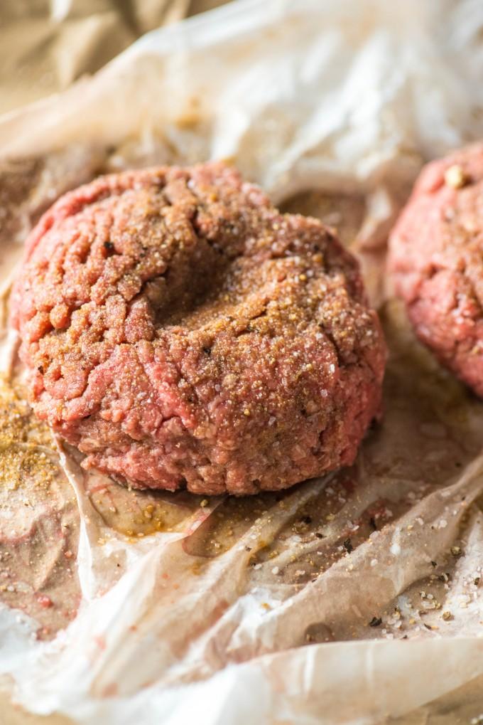 Best way to grill burgers | @gogogogourmet