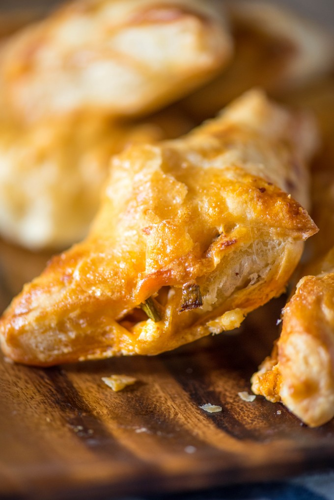 Buffalo Chicken Puff Pastry Pockets- perfect football food! | @gogogogourmet