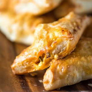 These Buffalo Chicken Puff Pastry Pockets are a quick treat to whip up for game-day parties and tailgates. Only a handful of ingredients and super easy! | @gogogogourmet