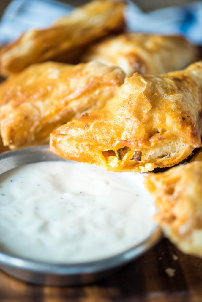 Buffalo Chicken Puff Pastry Pockets are perfect Super Bowl party food! | @gogogogourmet