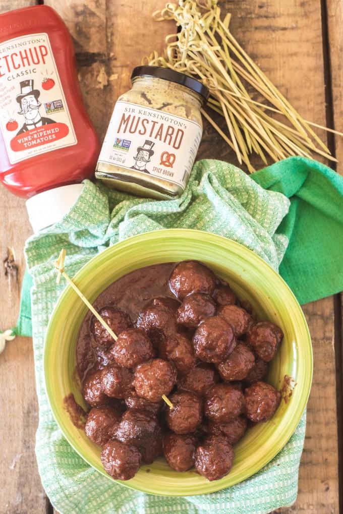 Crockpot Meatballs in a Spicy BBQ Sauce | @gogogogourmet