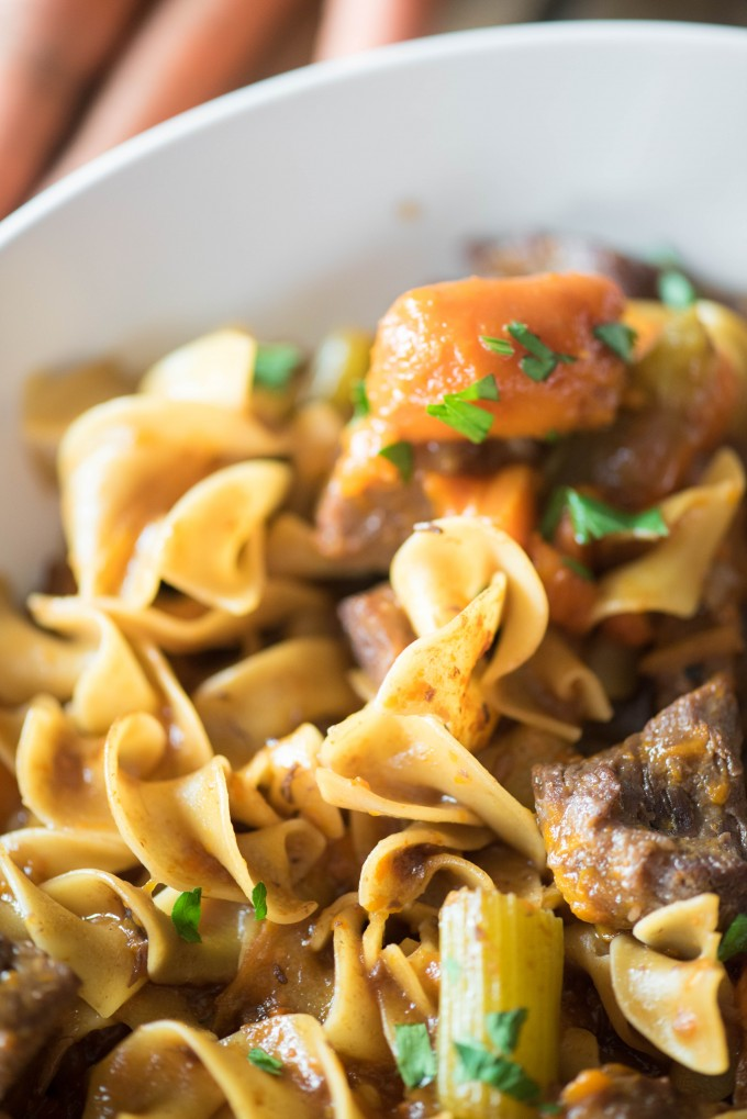 This Instant Pot Beef Stew Pasta is fabulous way to combine the flavors of warm and comforting beef stew with the heartiness of beef and noodles. | @gogogogourmet