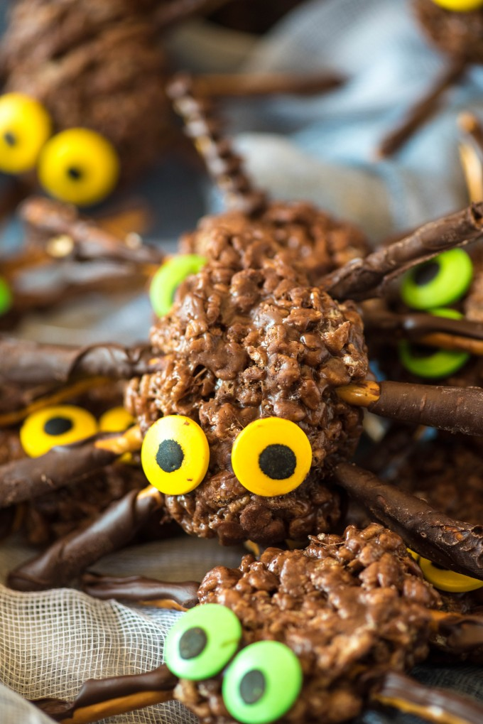 Spider chocolate peanut butter crispy treats