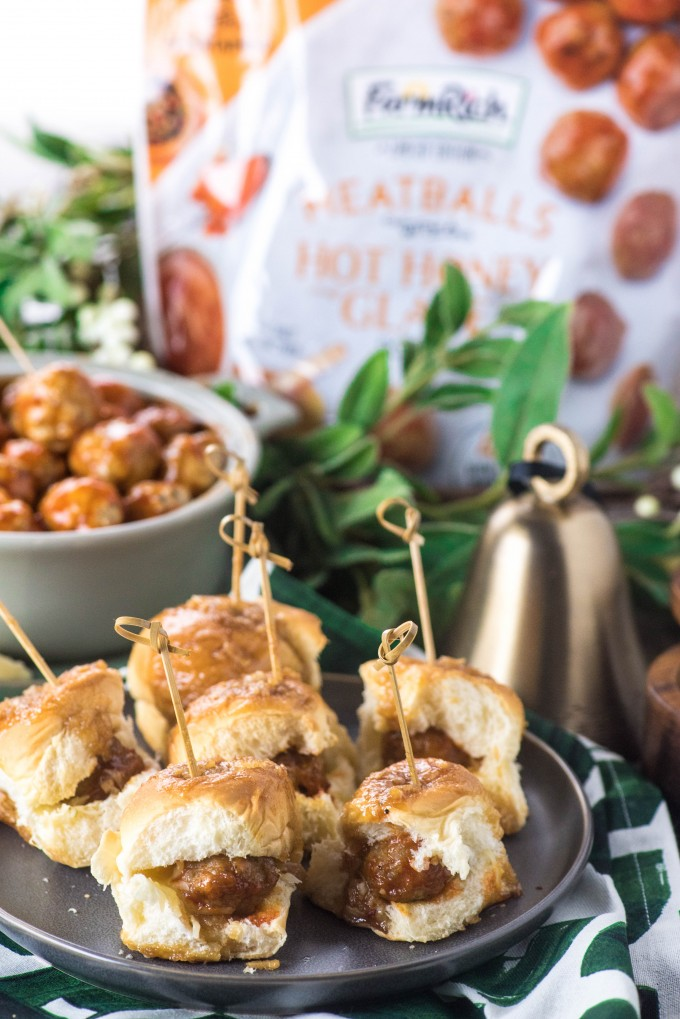 Spicy Sweet Meatball Sliders are a great Thanksgiving appetizer | @gogogogouremet