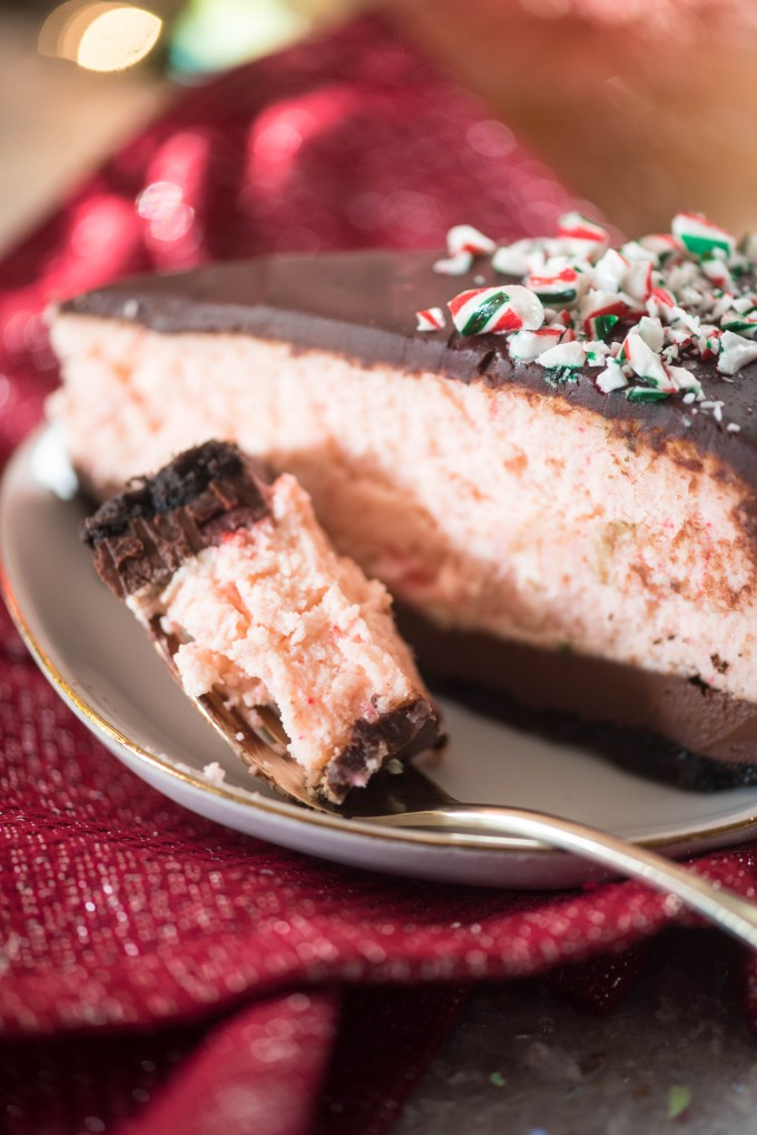Chocolate Peppermint Ice Cream Cheesecake with Chocolate Ganache and Oreo Crust | @gogogogourmet