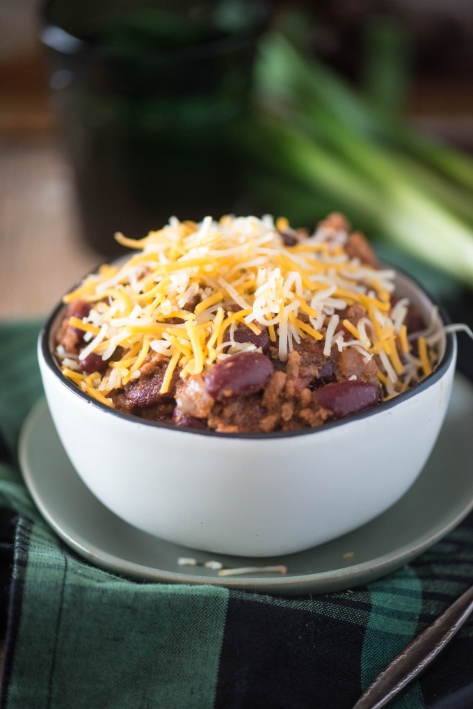 This Instant Pot Chili recipe is chock full of ground beef, hearty beans and big flavor! | @gogogogourmet