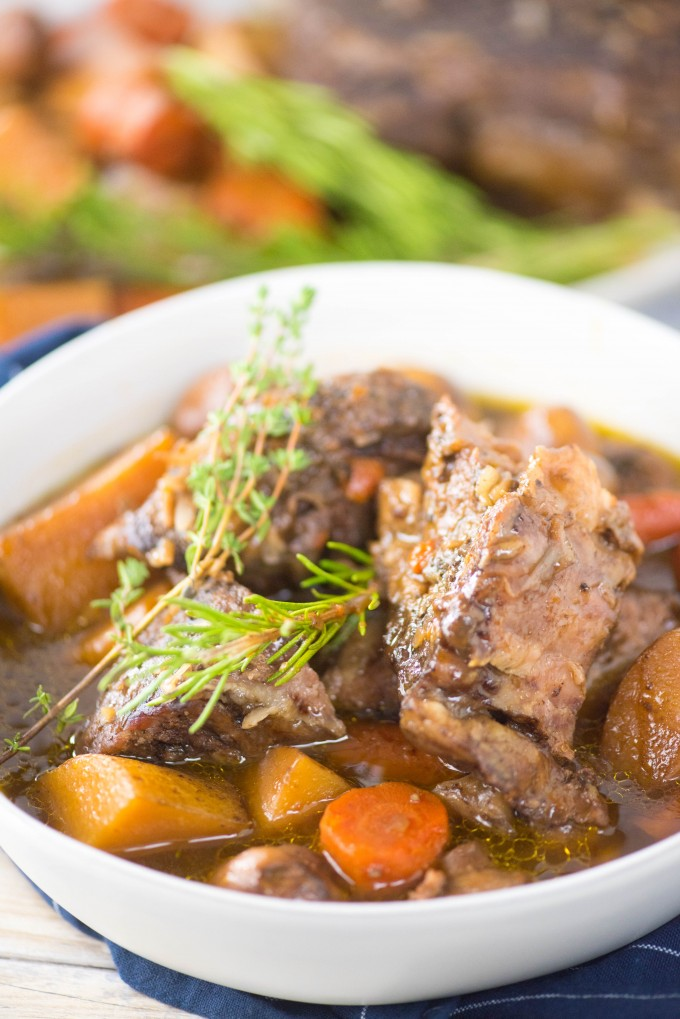 Easy Slow Cooker Pot Roast Recipe for Crockpot with Vegetables and Gravy