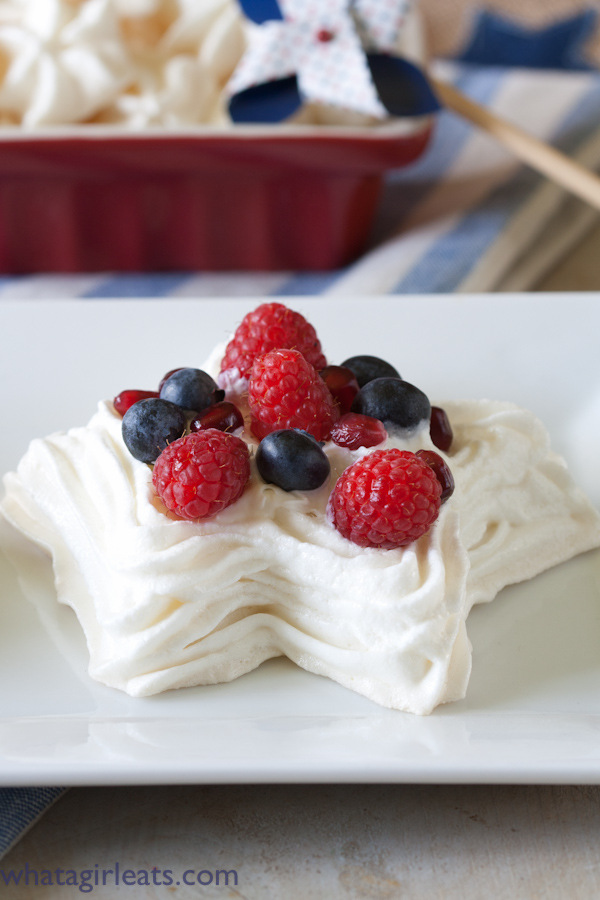 star shaped meringue topped with berries