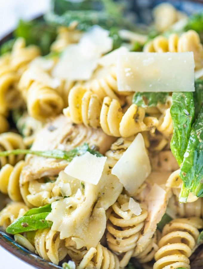 Easy Pesto Pasta Salad with Grilled Chicken