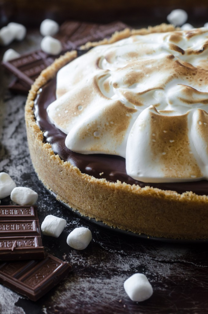 Close up of s'mores pie