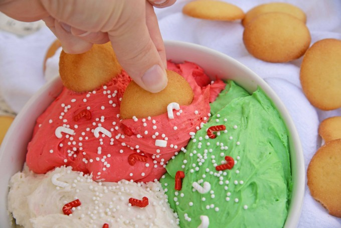 Christmas dunkaroo dip with a vanilla wafer - christmas desserts